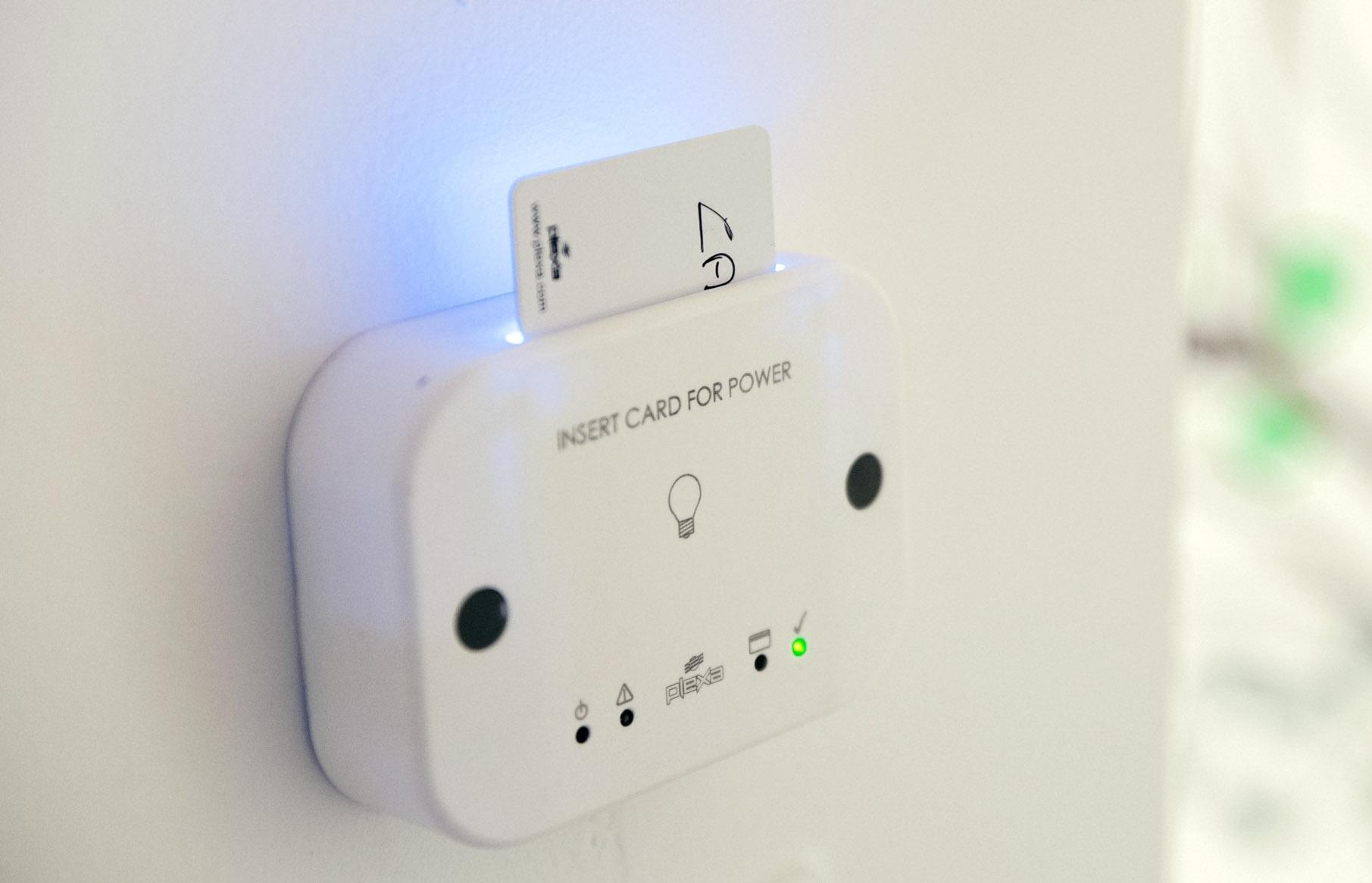 Tasca porta badge per attivazione utenze di camera
